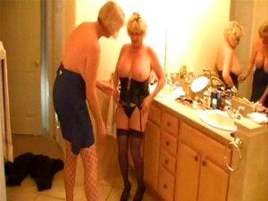 Gretchen Corbett  nackt