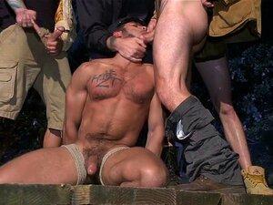 Nackt gay mann Naked Gay